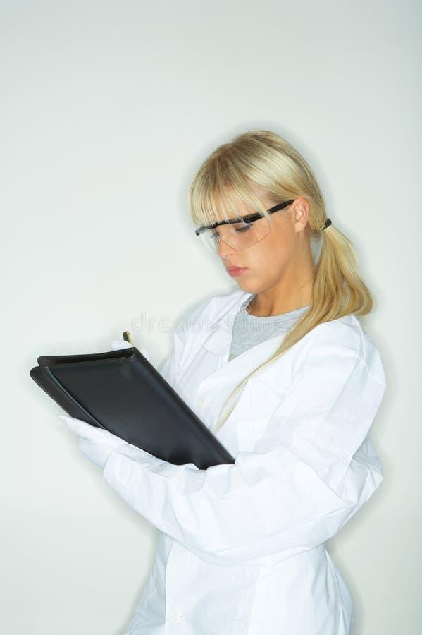 Fêmea no laboratório foto de stock royalty free