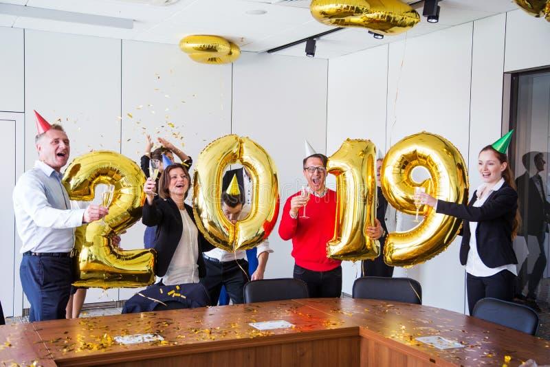 Fête au bureau de la nouvelle année 2019 photographie stock