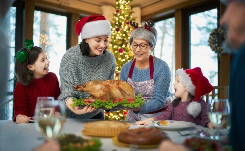 Fête de Noël en famille photo libre de droits