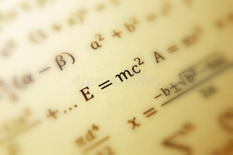 Fórmula de Einstein de la relatividad imagen de archivo