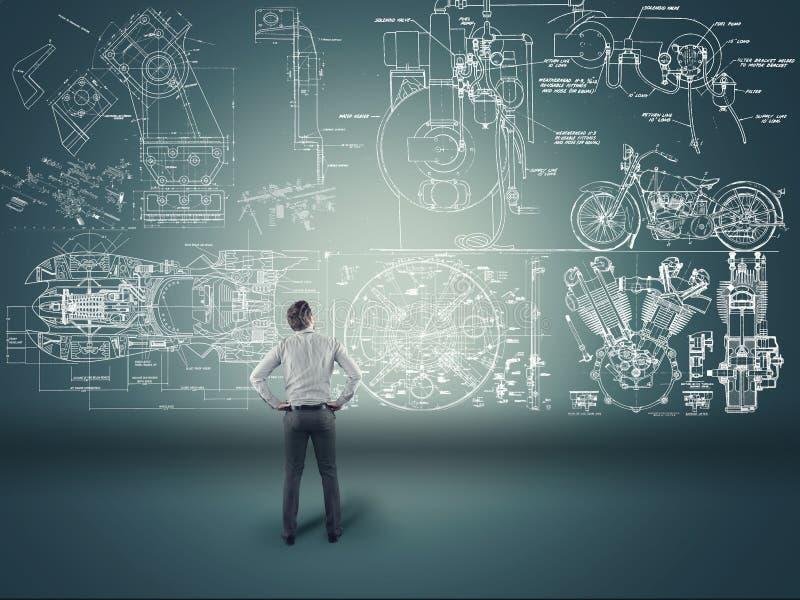 Fórmulas de observación del hombre de negocios imágenes de archivo libres de regalías