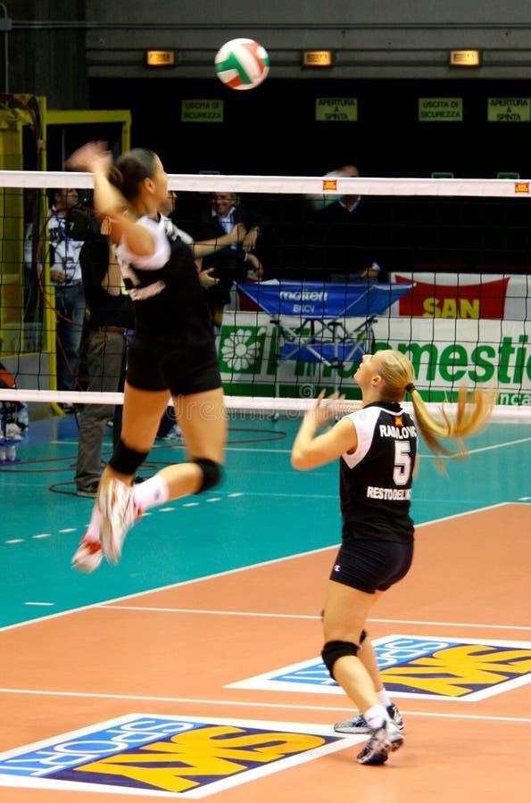 Fósforo de Volleybal - todo o jogo da estrela - Warm up imagens de stock