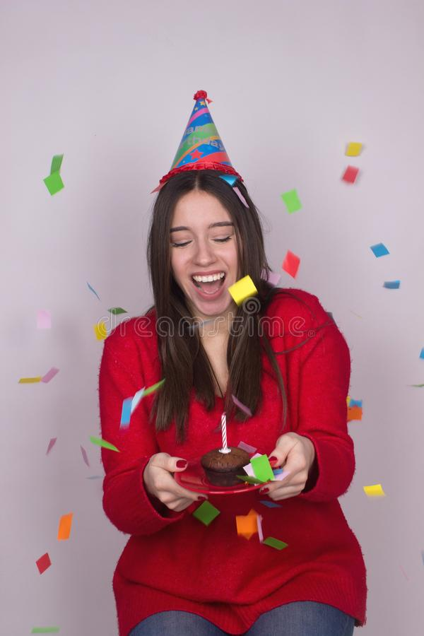 Födelsedagberömkonfettier royaltyfri foto
