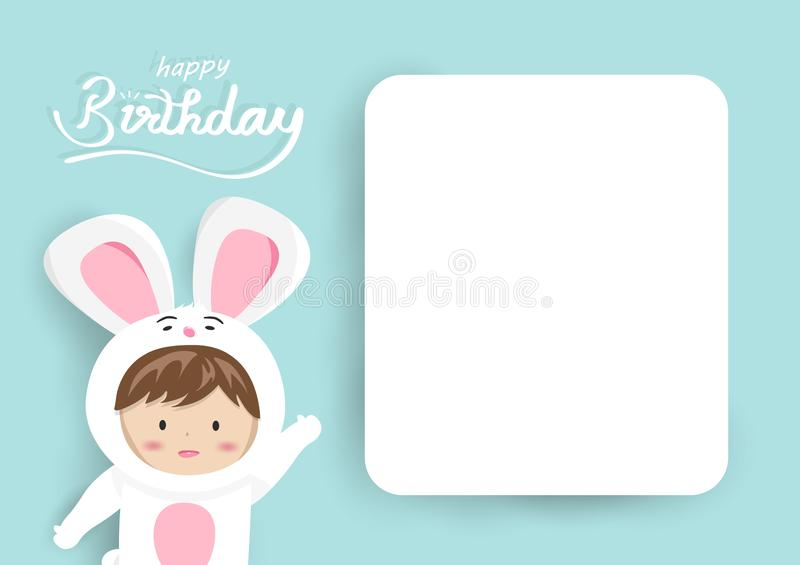 Födelsedaghälsningkortet, förtjusande kaninungemaskot med etikettstext, den gulliga tecknade filmen som använder för barn, firar  stock illustrationer