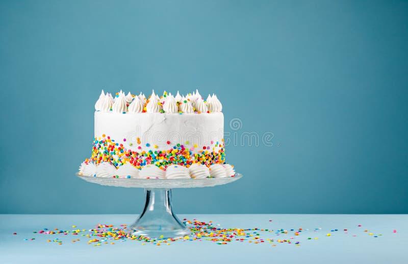Födelsedagkaka med stänk royaltyfri bild