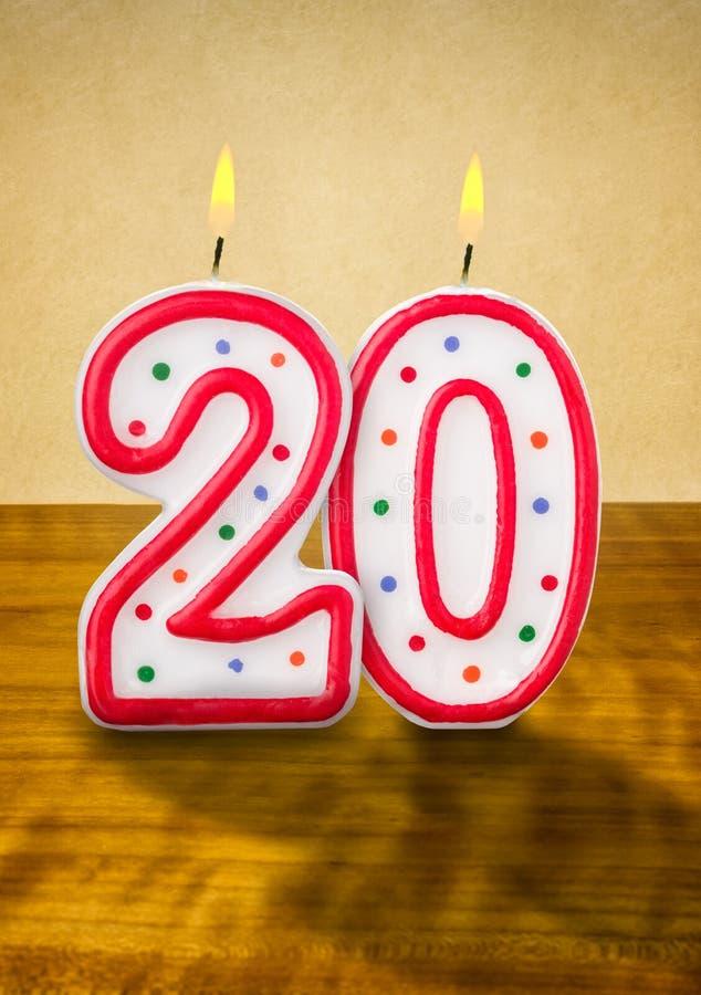 Födelsedagstearinljus nummer 20 vektor illustrationer