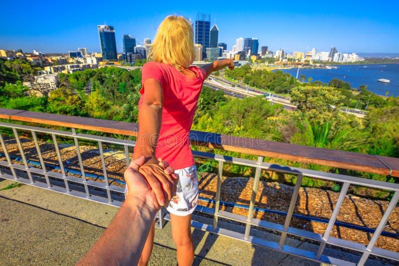 Följ mig i Perth arkivbilder
