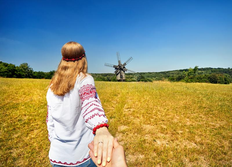 Följ mig till Ukraina royaltyfria bilder