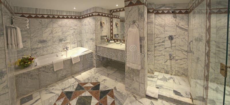 följe för badrumhotelllyx arkivfoton