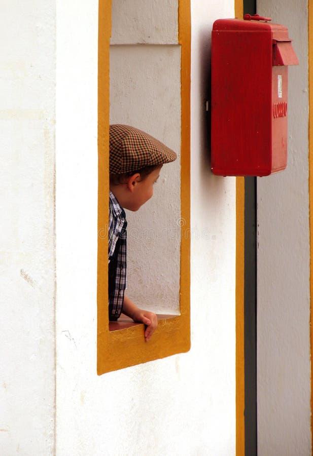 Download Fönster arkivfoto. Bild av vägg, vitt, barn, ungar, unge - 238104
