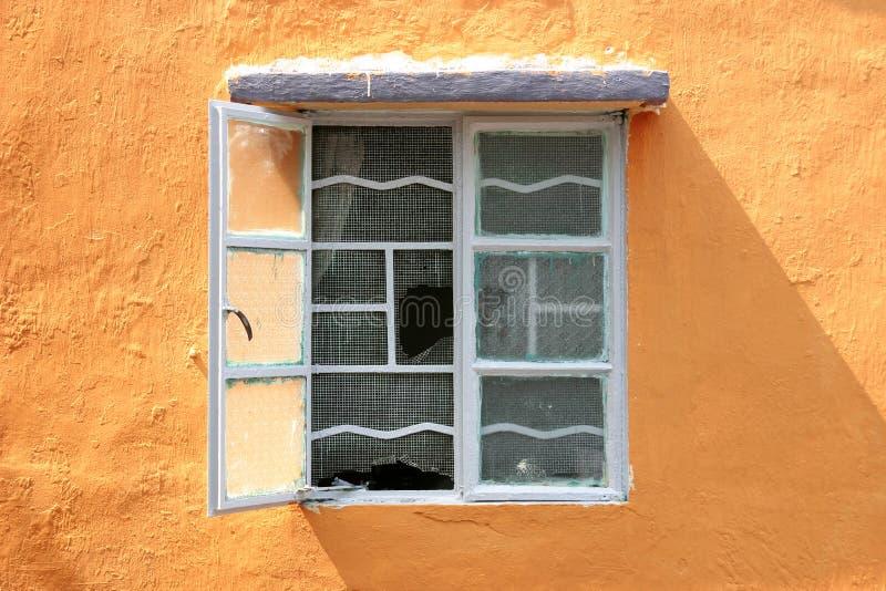 Download Fönster fotografering för bildbyråer. Bild av fönster, konstruktion - 512145