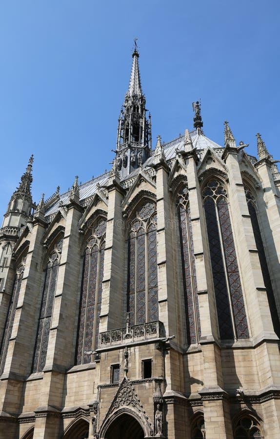 fönster av kyrka kallade Helgedom Kapell i Paris Frankrike arkivfoto
