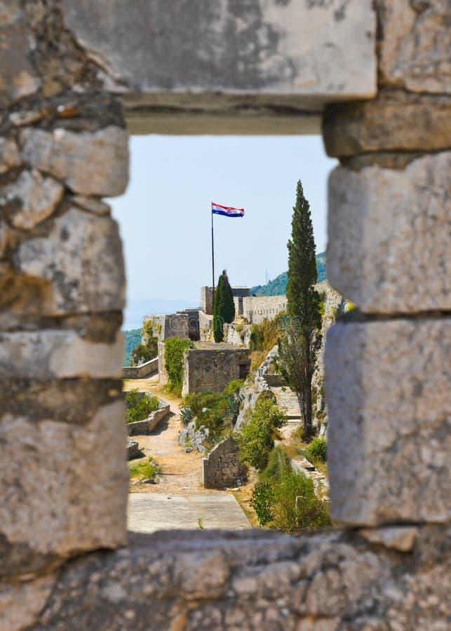 fönster för split för croatia fort gammalt royaltyfri foto