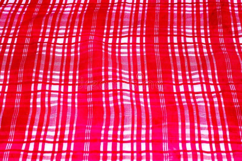 fönster för textur för bakgrundsdetalj trägammalt rutig rosa vit för siden- tyg Dupioni t royaltyfri foto