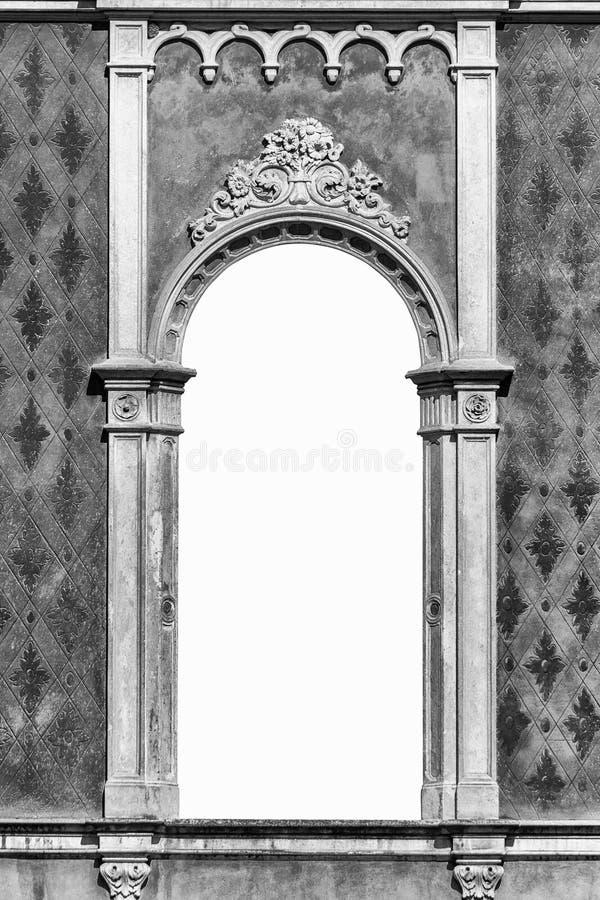 Fönster i Venetian gotisk stil royaltyfria foton