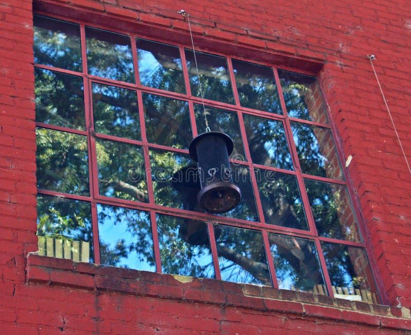 Fönster med reflexion arkivfoton