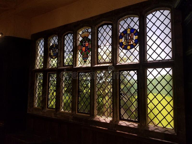 Fönster till ängen arkivbild