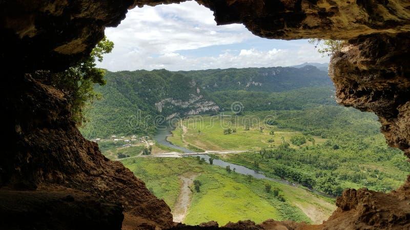 Fönstergrottan, Puerto Rico royaltyfri foto