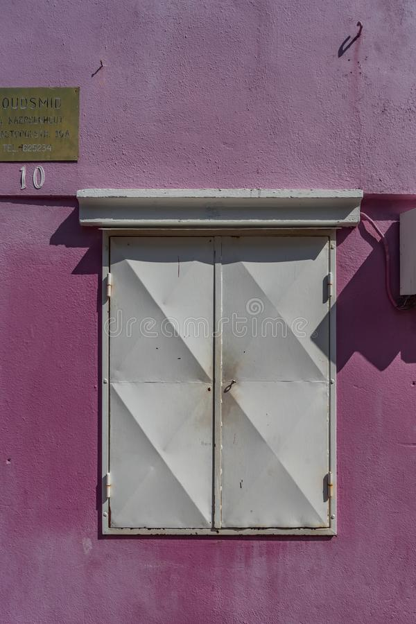 FönsterOtrobanda Curacao sikter arkivbild