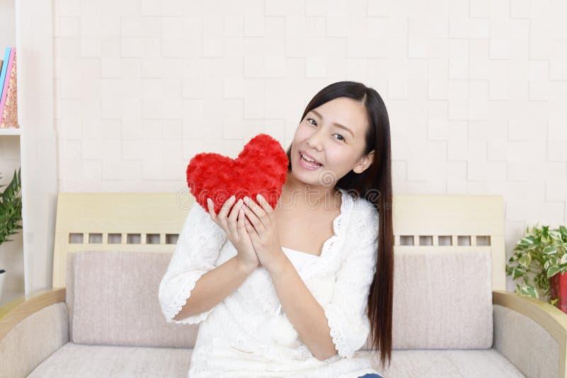 Förälskad kvinna royaltyfri foto