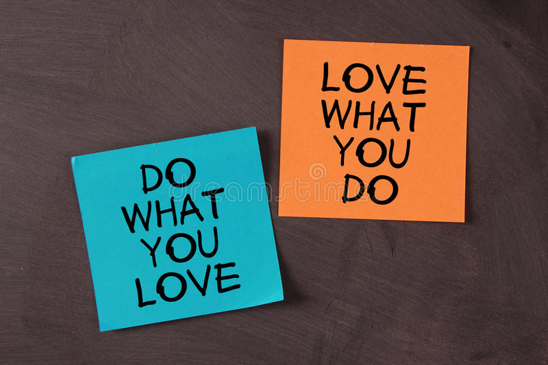 Förälskelse vad du gör och gör vad du älskar fotografering för bildbyråer