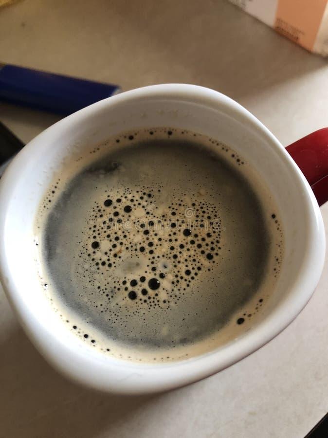 Förälskelsehjärtakaffe arkivfoto