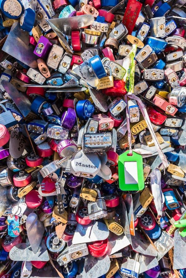 Förälskelsemedaljongskulptur på behållaren parkerar, Las Vegas royaltyfri bild