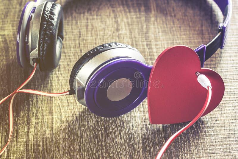 Förälskelsemusikbegrepp arkivfoto