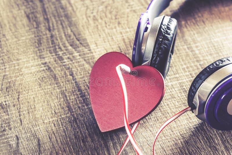 Förälskelsemusikbegrepp fotografering för bildbyråer