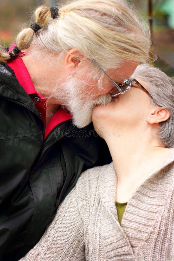 förälskelsepensionär arkivfoto