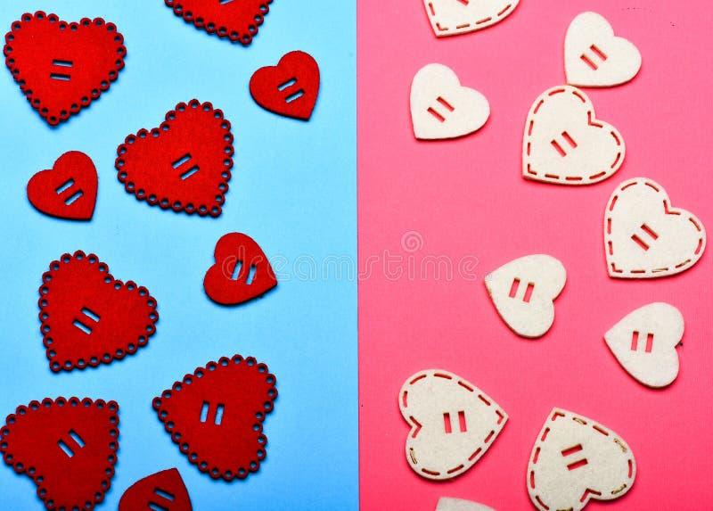 Förälskelsesymbolvalentin Valentindagannonsering Texturhjärtor stänger sig upp Traditionella attribut av valentindagen arkivfoto