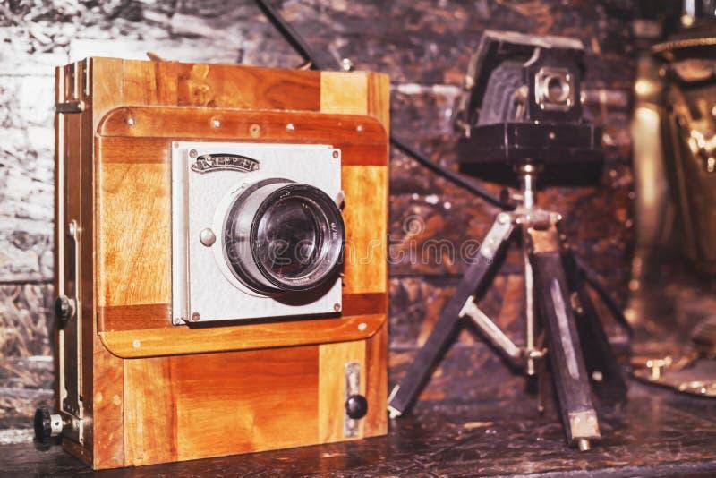 Föråldrad forntida historia för gammal kamera royaltyfria foton