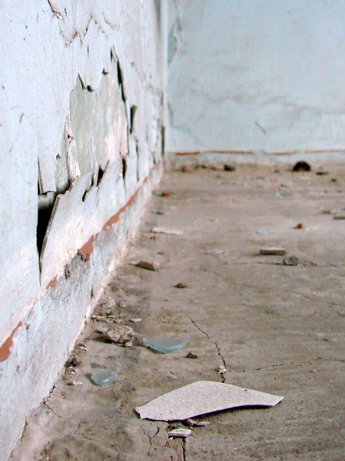 förödande vägg arkivbild