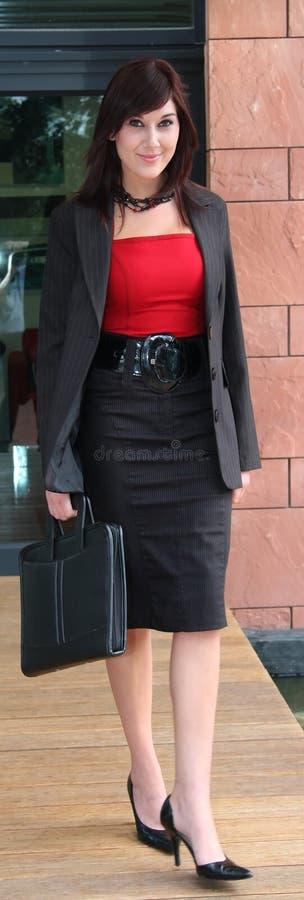 för affär kvinna utomhus royaltyfri foto