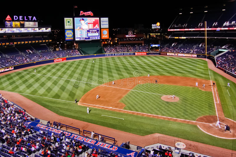 För Atlanta indiankrigareBaseball-En för Look första grundlinje ner arkivfoton
