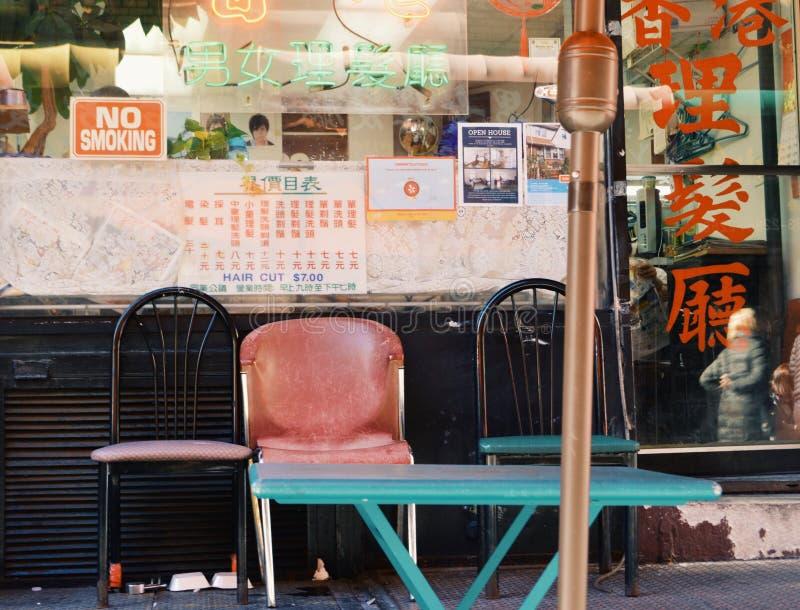 För Barber Shop Chinatown NYC för tappning gammal tradition familjeföretag royaltyfri foto