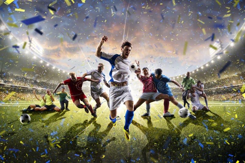 För barnfotboll för collage vuxna spelare i handling på stadionpanorama arkivfoto