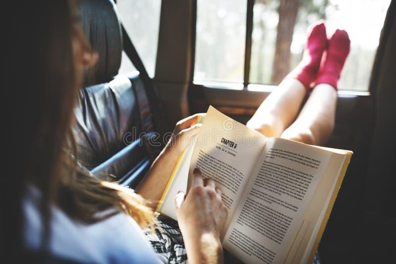 För bilhobby för läs- studie campa begrepp royaltyfri fotografi