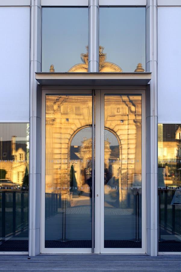 För Blérancourt för Franco-amerikan museumingång slott fransk amerikansk kamratskap arkivfoton