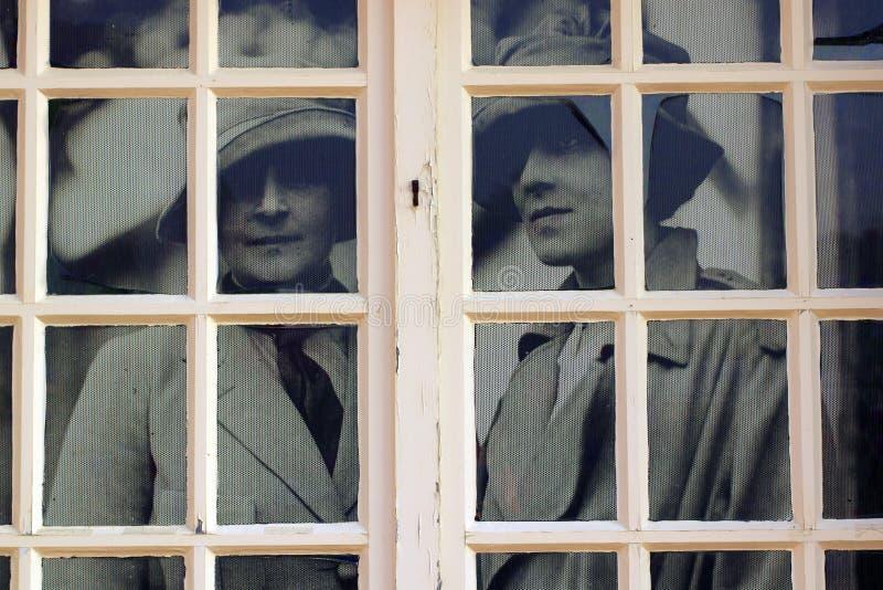 För Blérancourt för stående för kvinnor för Franco-amerikan museumingång slott fransk amerikansk kamratskap arkivbilder