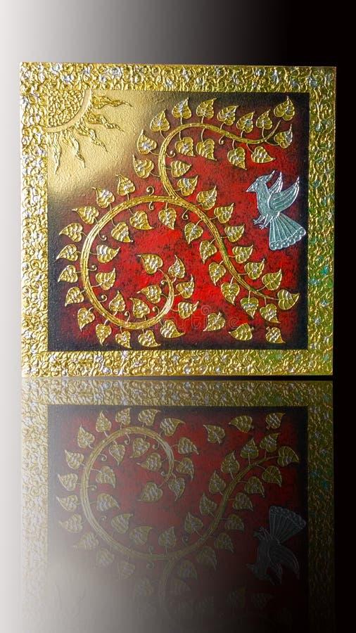 För bodhiträd för nummer nio thai stil med solen, fågeln och den guld- silverramen royaltyfri fotografi