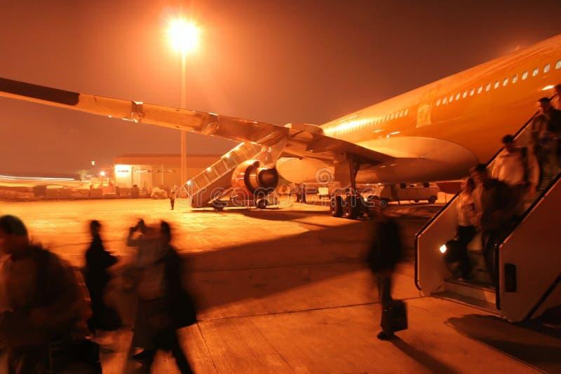 för brådskanatt för flygplats upptagna passangers arkivfoton