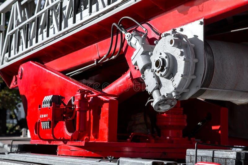För brandmotor för hydrauliskt system stegen arkivbilder