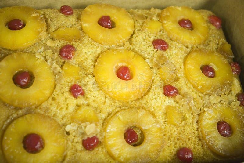 för cake ananasöversida ner arkivfoton