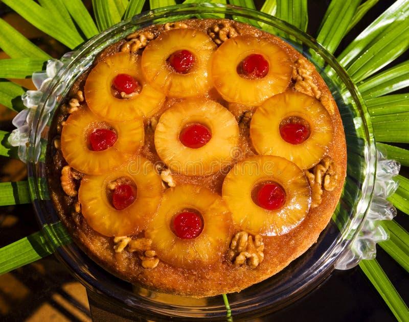 för cake ananasöversida ner royaltyfria foton
