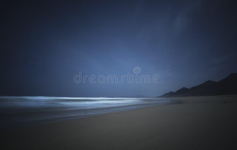 för cofetefuerteventura för strand canarian surfingbräda för öar ö Fuertaventura arkivbilder