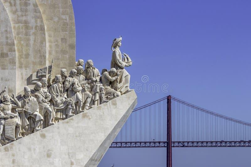 för den lisbon för 500 var 1960 för årsdagcaravelberömmar upptäckter för död henryen invigde navigatör portugal som monumentet fo royaltyfri foto