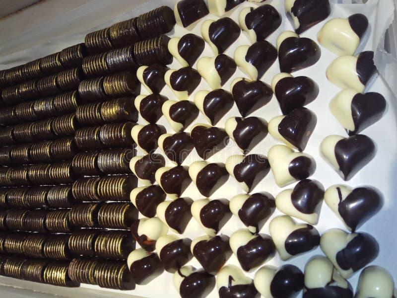 för designdiagrammet för choklad 3d illustrationen för hjärta framförde arkivfoto