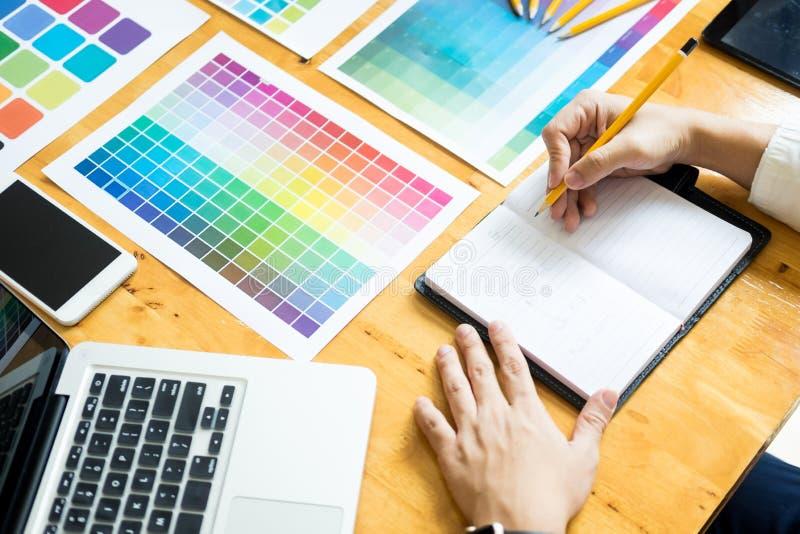För desinerockupation för yrkesmässig idérik arkitekt grafiska choos arkivfoton