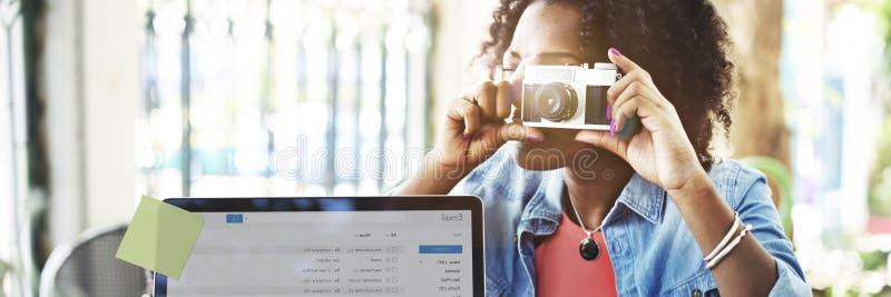 För Digital för fotografiEmaildator begrepp överensstämmelse arkivfoto